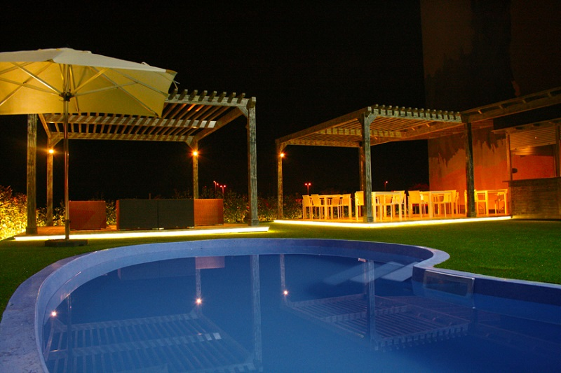 Hotel plana parc servicios the meeting point for Piscina villarreal